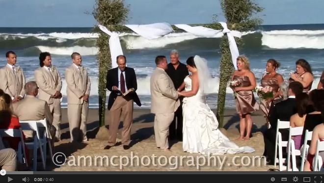 10 Raisons pour lesquelles un mariage sur la plage ce n'est romantique que dans les films.